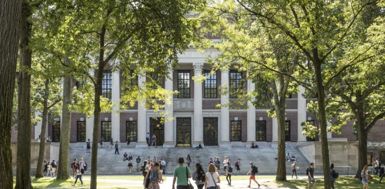 5 Tips To Decide On A College